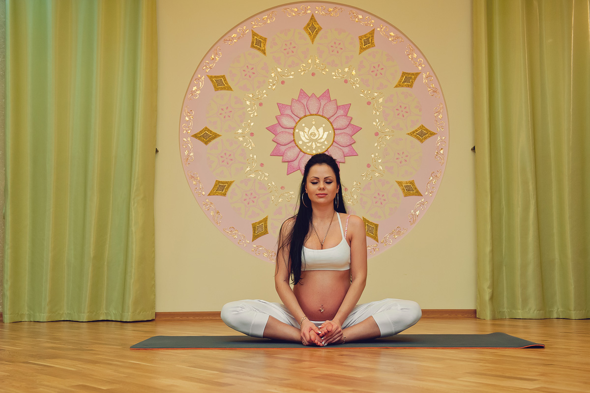Кундалини -йога для беременных: упражнение, гармонизирующее дыхание
